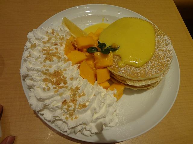 Eggs'n Things(エッグスンシングス)でリリコイパパイヤパンケーキを食べてきました!