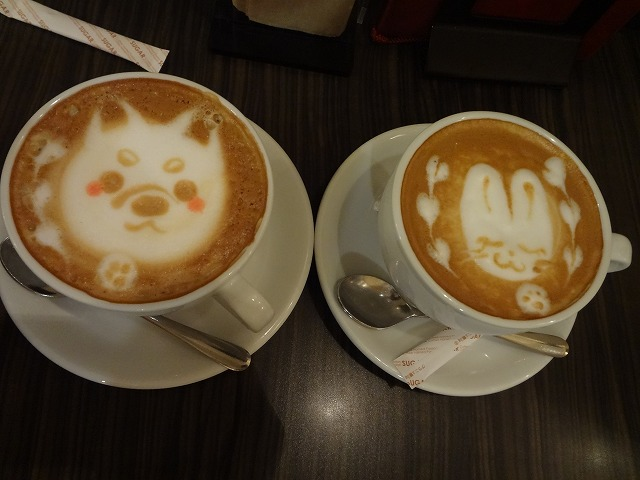 浅草クローバーカフェでどうぶつカプチーノ柴犬をオーダーしてみたら
